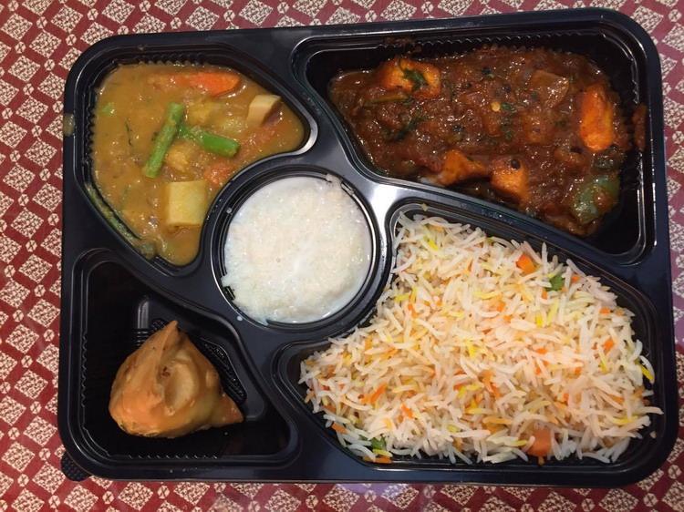 20170823133734 93 - 熱血採訪 | 斯里印度餐廳,推新菜色超大炸辣椒、雞肉咖哩,也有商業午餐跟外送餐盒喔~