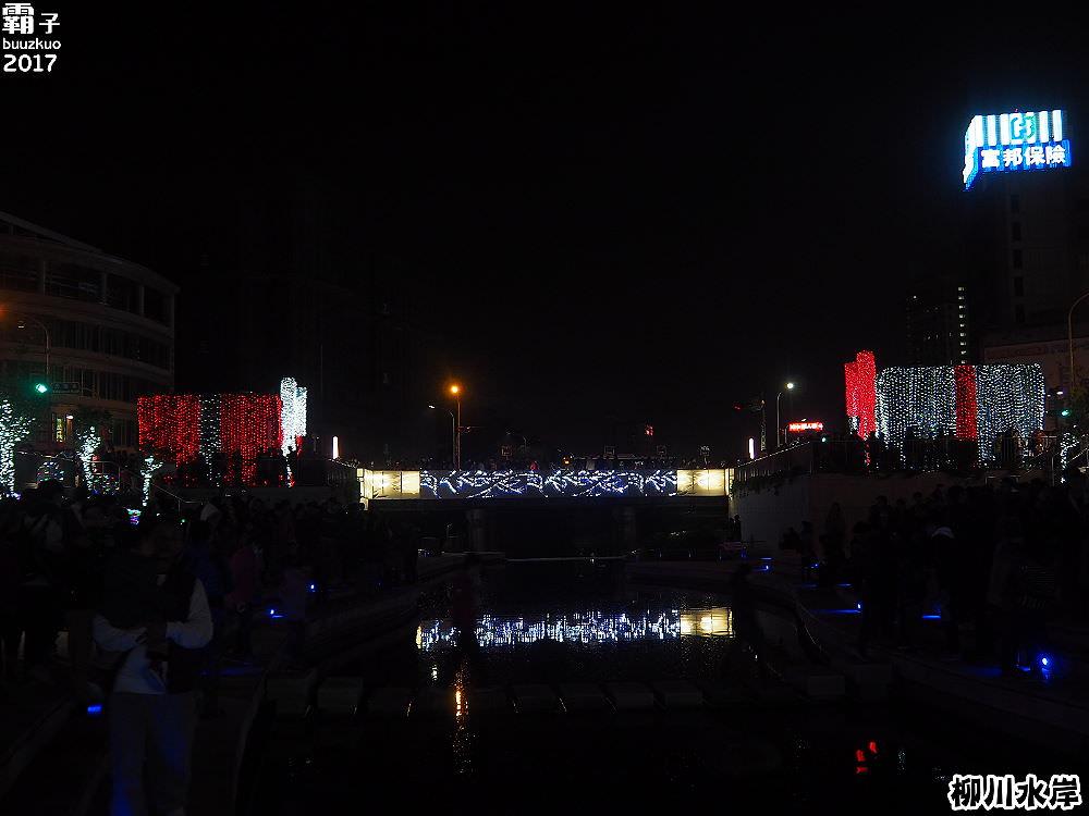 20171210011210 53 - 柳川水岸步道聖誕樹亮起來,中區柳川光景藝術展同步點燈~