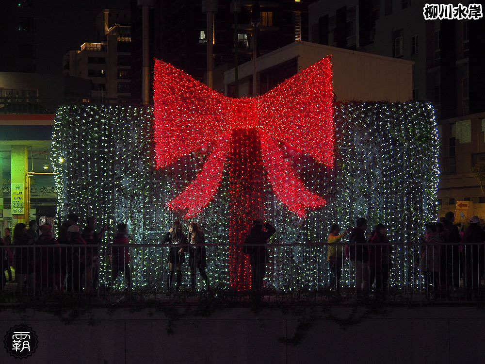 20171210011218 45 - 柳川水岸步道聖誕樹亮起來,中區柳川光景藝術展同步點燈~