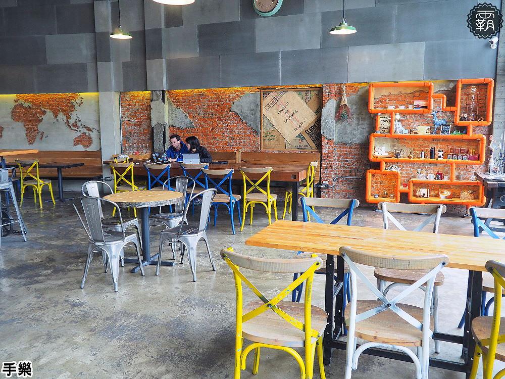 20180210210808 32 - 手樂 S.L CAF'E工業風咖啡館,環境加氣氛好插座咖啡館,還有長桌適合多人聚會!