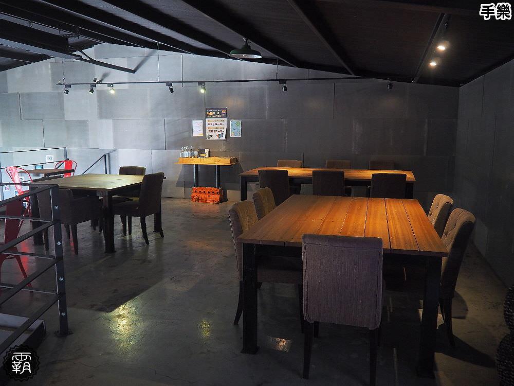 20180210210918 24 - 手樂 S.L CAF'E工業風咖啡館,環境加氣氛好插座咖啡館,還有長桌適合多人聚會!