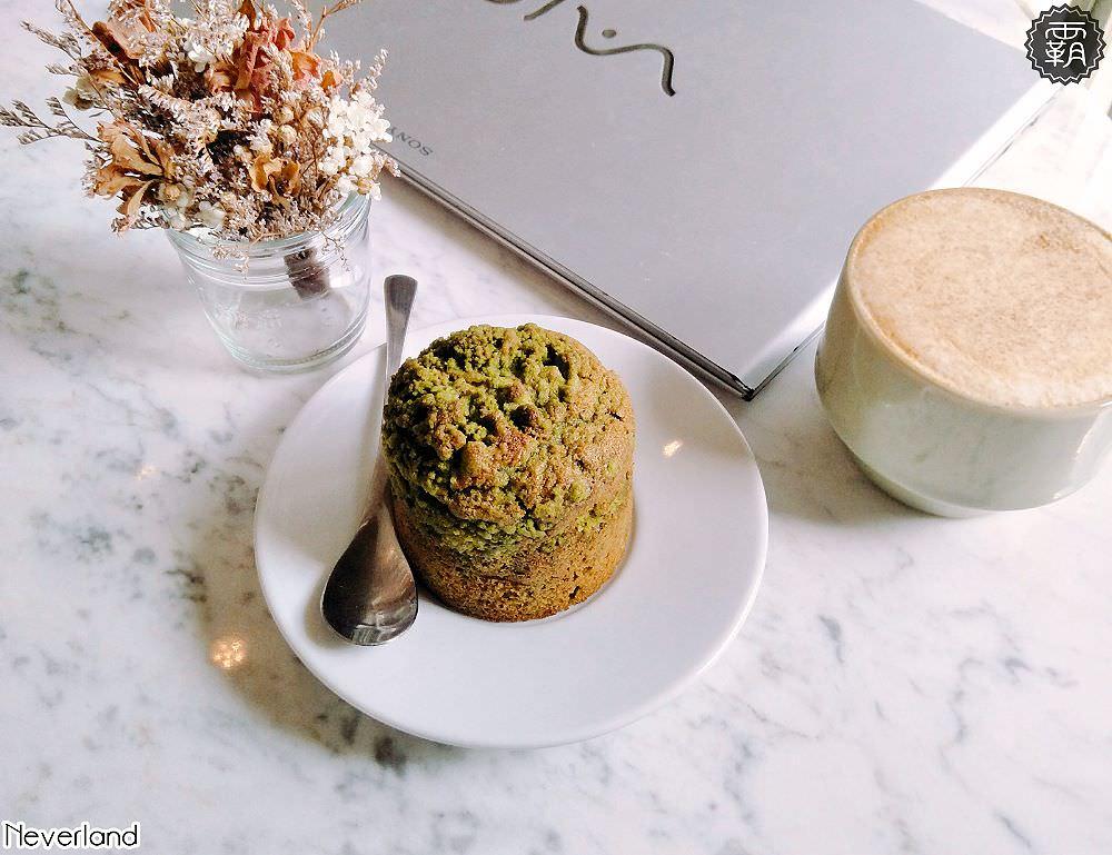 <台中咖啡> Neverland默契咖啡二店,純白靜謐的小洋樓,桌面白色大理石紋路好適合IG拍照打卡。(台中IG/台中甜點/台中插座咖啡)