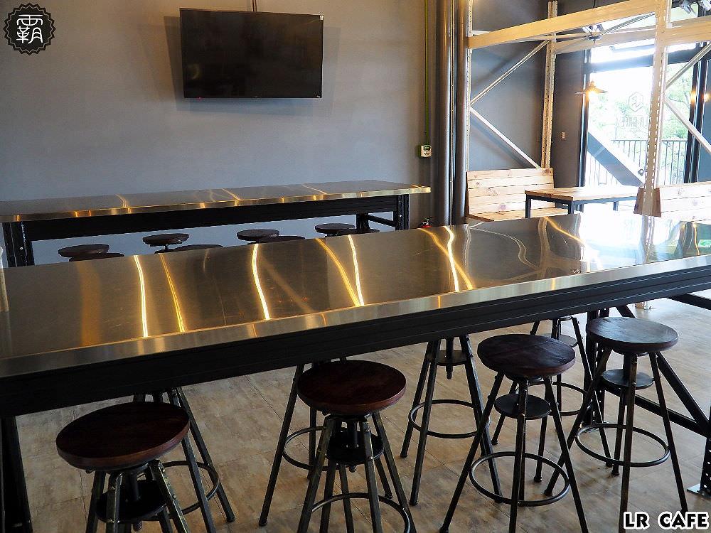 20180327180542 16 - LR cafe,隱身在烏日高鐵站對面的韓風咖啡館,三層樓空間好寬敞~