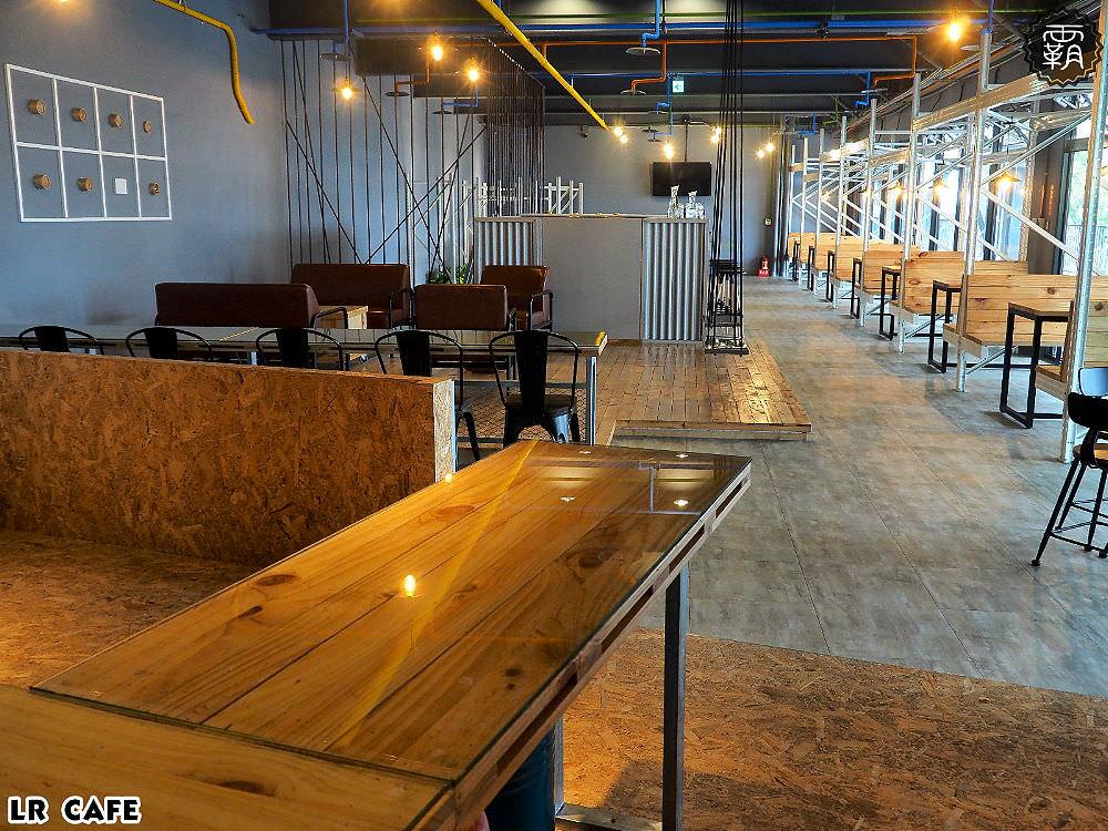 20180327180741 42 - LR cafe,隱身在烏日高鐵站對面的韓風咖啡館,三層樓空間好寬敞~