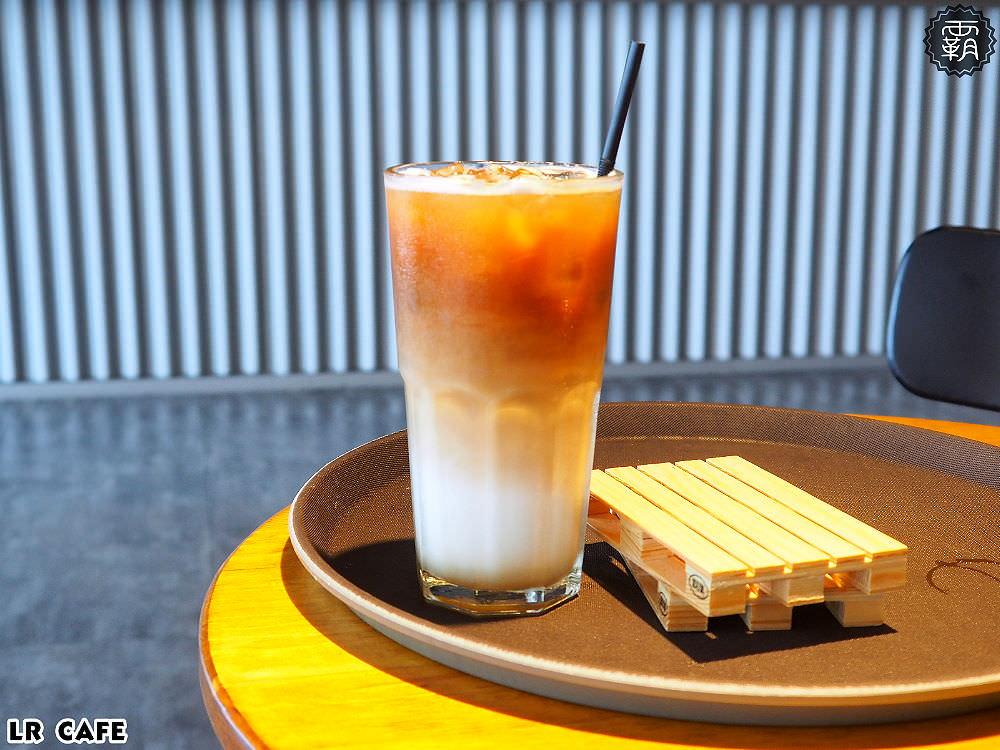 20180327180845 16 - LR cafe,隱身在烏日高鐵站對面的韓風咖啡館,三層樓空間好寬敞~