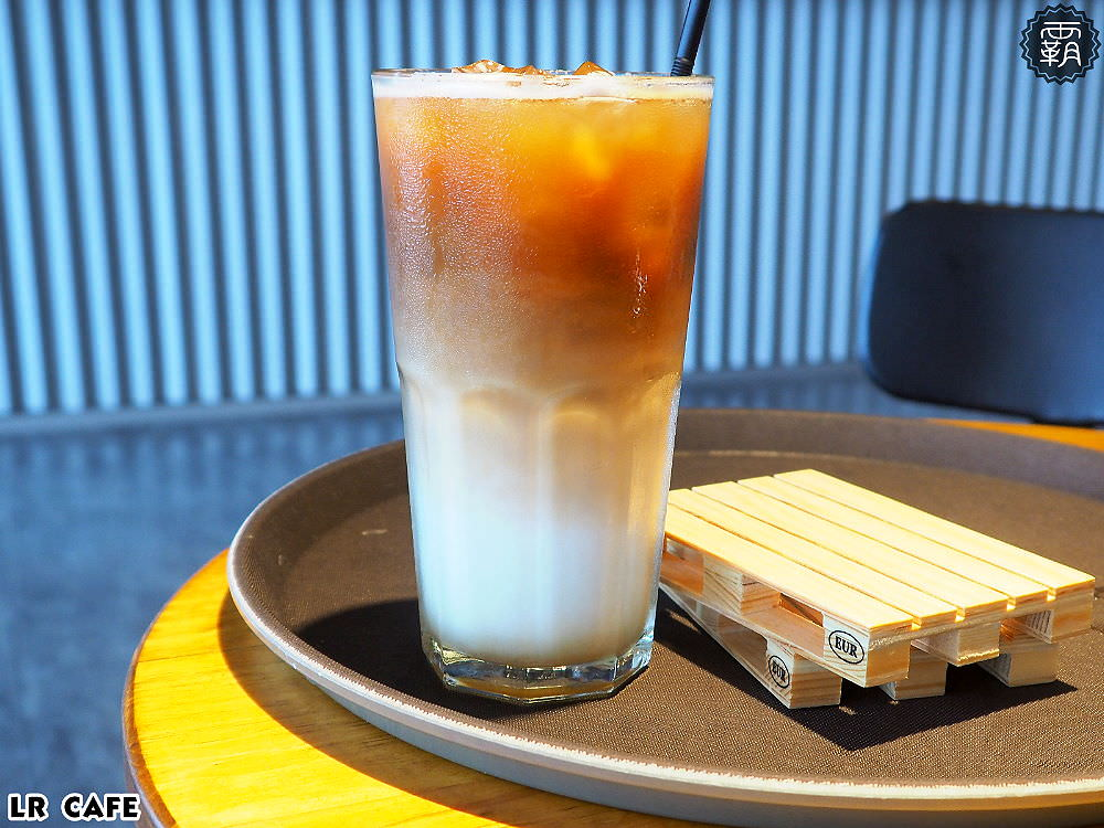 20180327180846 46 - LR cafe,隱身在烏日高鐵站對面的韓風咖啡館,三層樓空間好寬敞~