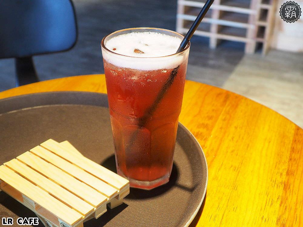 20180327180848 28 - LR cafe,隱身在烏日高鐵站對面的韓風咖啡館,三層樓空間好寬敞~