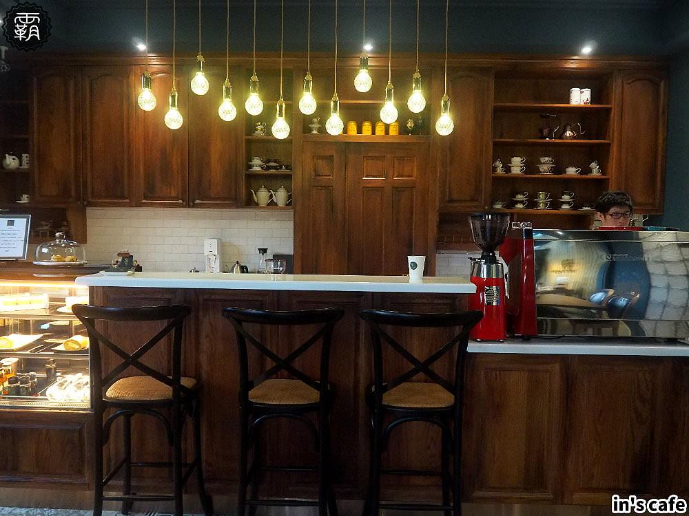 20180923192549 87 - in's cafe北屯精品咖啡,自家烘焙咖啡跟自製布丁,英倫貴族風,還有美拍植生牆~
