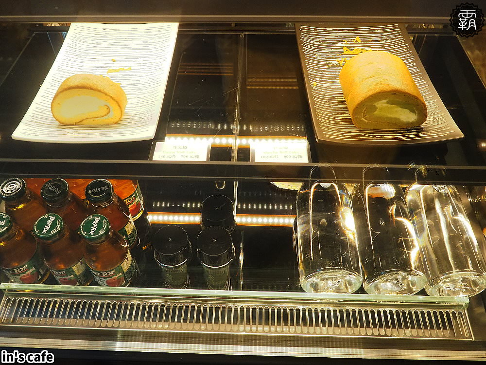 20180923192608 96 - in's cafe北屯精品咖啡,自家烘焙咖啡跟自製布丁,英倫貴族風,還有美拍植生牆~
